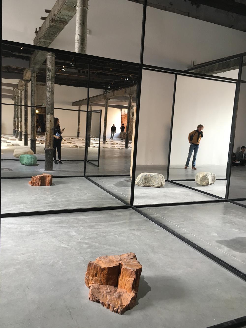 171012 Biennale 84 Alicja Kwade WeltenLinie for web